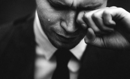 lacrima_uomo